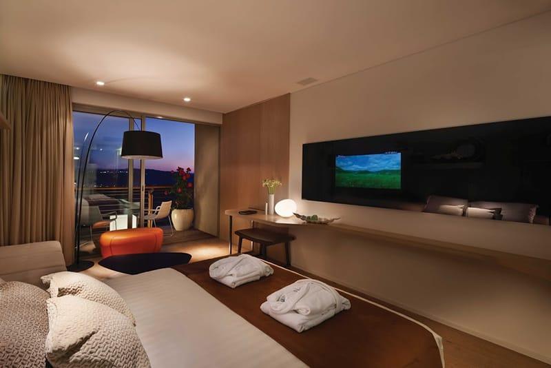 חדר שינה במלון כרמים - הרי ירושלים