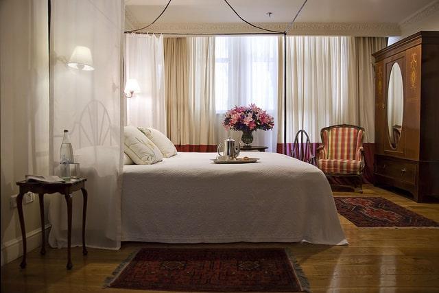 חדר שינה במלון מצפה הימים